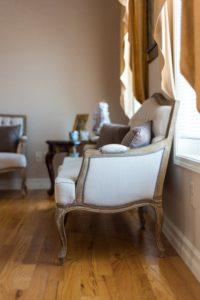 Restauration fauteuils anciens Lille
